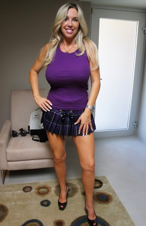 Big Wife Boobs Pictures