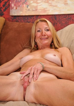Mature Pussy Pictures